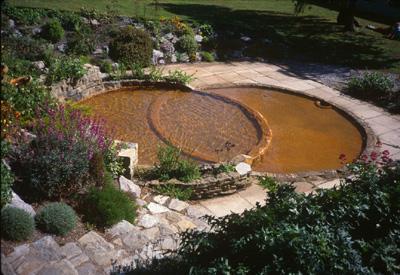 Vesica Jardin du Chalice Well Glastonbury